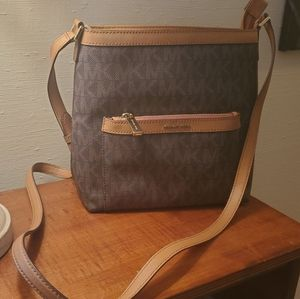 😉 Brown & Tan MK Crossbody 😉